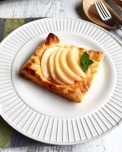 桃のコンポートを桃のパイにしました。サクサク〜♪