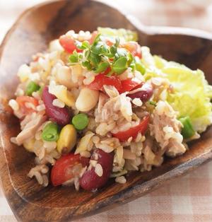 たくあんと豆入り玄米サラダ(グレインズサラダ)