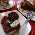 抹茶餡とホイップで楽しむグルテンフリーココアケーキ♪