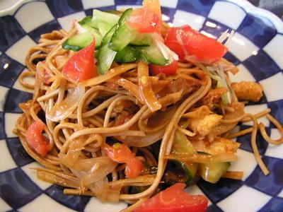 ソバのガドガド風味噌サラダ