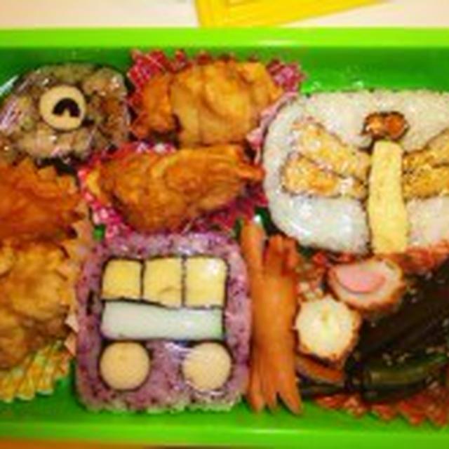 ☆クジラ・トンボ・電車の飾り巻き寿司お弁当☆