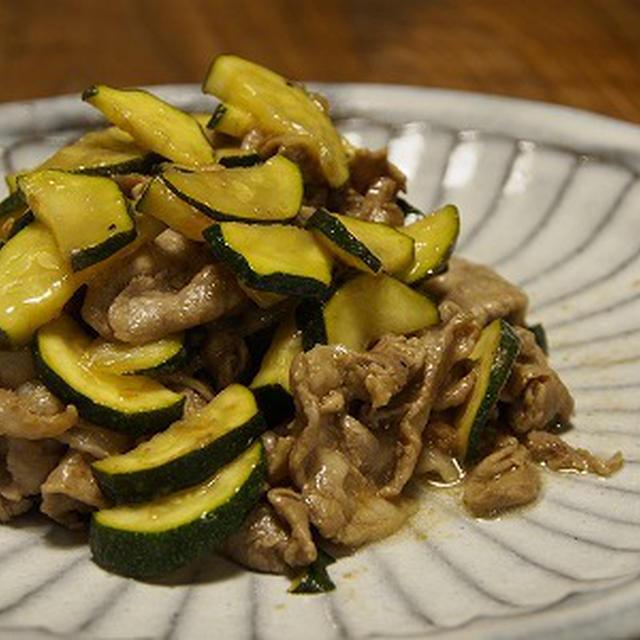 豚とズッキーニの梅醤油炒め。