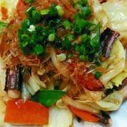めんつゆで簡単味つけ☆イカゲソと野菜の焼うどん