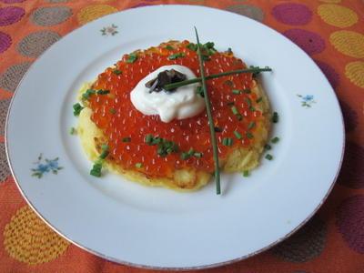 ポテトクレープとイクラとマグロ & フィッシュスープ  8・19・2012