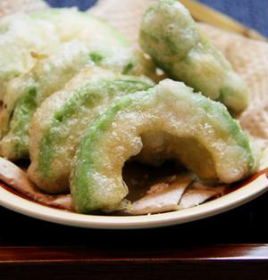 シンプル塩味☆アボカドの天ぷら