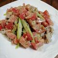奥三河トマトと愛知県産アスパラガスで作る、豚肉とアスパラガスのゴマトマトソース和えのレシピ | 胡麻ドレッシングを活用した超簡単レシピ