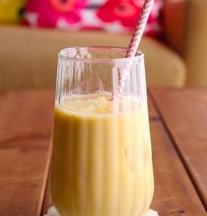 カルディのマンゴーピューレで『マンゴー豆乳ラッシー』