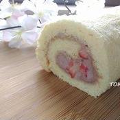 おやつに♪いちごと小豆の米粉ロールケーキ