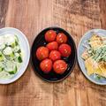 今日は「簡単副菜三品(トマト、薄揚げ、きゅうり)など」