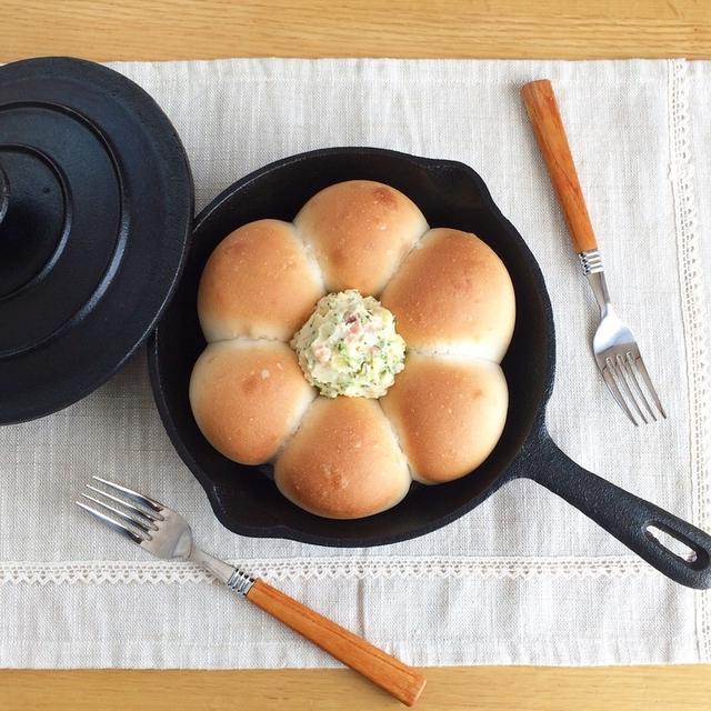 4.スキレットで簡単!ちぎりパン