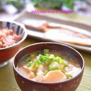 一汁一菜の朝食に「麩と大根と豆腐のお味噌汁」