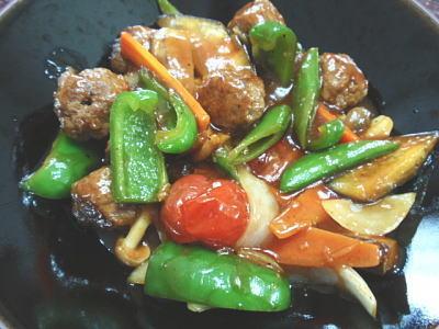 肉団子と野菜の甘酢炒め(レシピ付)