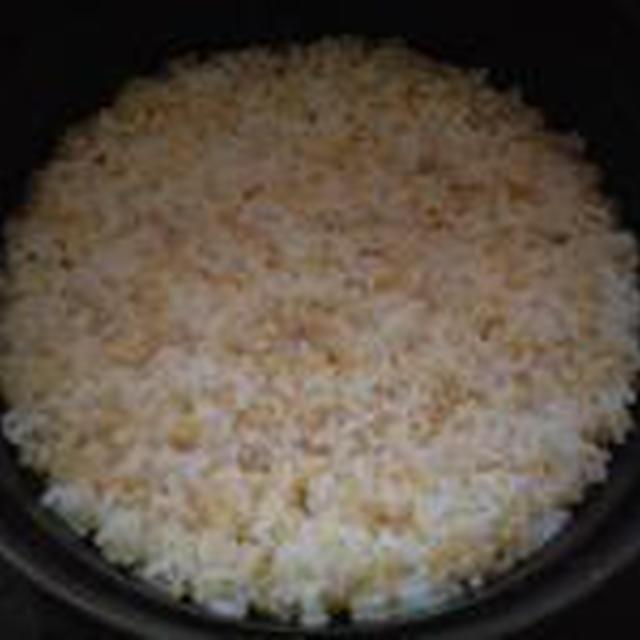 湯立てで白米(680)。。。茨城県産 奥久慈の棚田のコシヒカリ特別栽培米うまかっぺJA茨城みどり玄米(あいざわ米店)さて何でしょ???コシヒカリ白米(あいざわ米店)