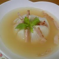 「丸ごと新玉ねぎスープ」・感動するほどの甘さと柔らかさ