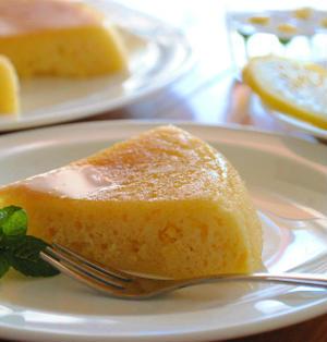 ホットケーキミックス×炊飯器で ハニーレモン ヨーグルトケーキ ☆