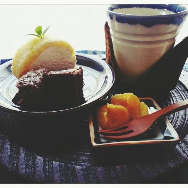 おうちdeランチ♡デザートに用意したのはプレミアロール&ブラウニーです(*ノωノ)