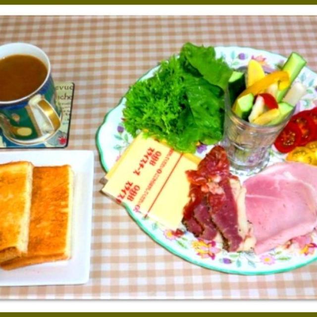 パニーニ風 トーストサンドで朝ご飯