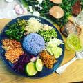 タイ料理>>カオヤム(ข้าวยำ)