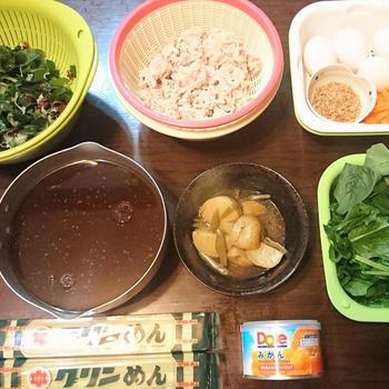 【前じゅんdeスピードおうちごはん】ピリ辛豚しゃぶ冷麦の海藻サラダ仕立て de 夕食 & 畑に大