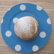 アーモンドペースト入りの菓子パン:セムラ