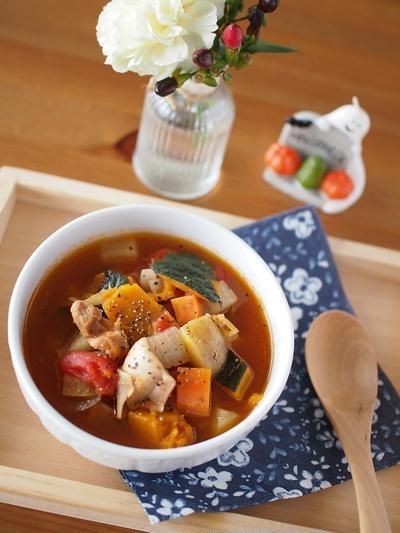 かぼちゃと根菜の甘いトマトスープ。