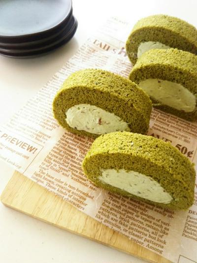 抹茶の米粉シフォンロールケーキ/小豆入り抹茶クリーム