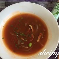 セロリ塩で。簡単トマトとレンズ豆のスープ