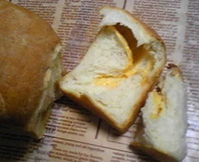 ** チェダーチーズの山食ぱん **