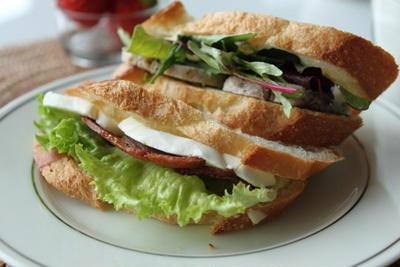 サンドウィッチで朝ごはん