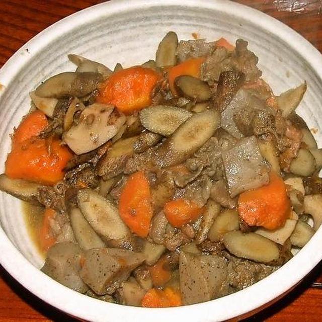 牛肉の筑前煮&じゃがいもとブロッコリーのサラダ