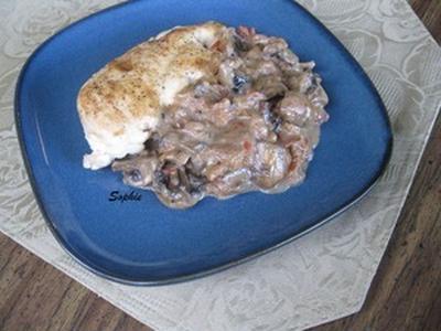 鶏胸肉の詰め物(マシュルームトマトソース添え)