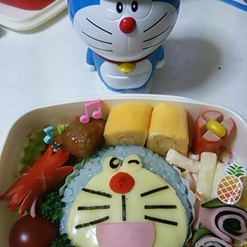 週に1度のお弁当の日☆キャラ弁♪ドラえもんの作り方(´∀`*)