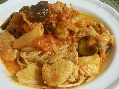鶏むね肉と野菜のトマトミルクパスタ