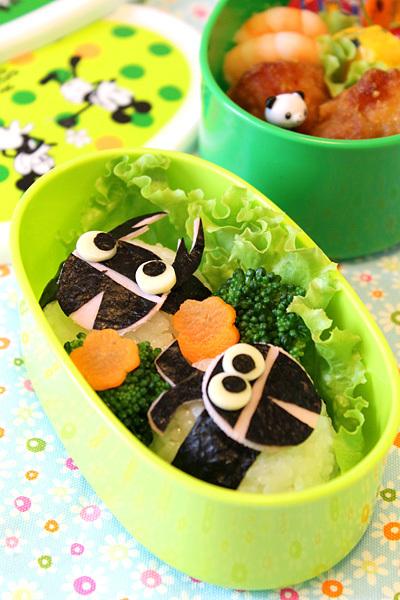 大クワガタ&カブトムシ弁当☆クラシックミッキー弁当箱