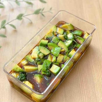 【レシピ】アボカドの大葉麺つゆ漬け