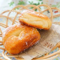 ふわんふわんが魅力のパン生地で作る定番ドーナツ