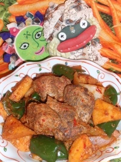 豚肉の林檎の豆板醤炒め&大根とカニかまのピリ辛サラダ(お家カフェ)