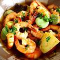 エビと空豆、ジャガイモのアヒージョとパスタ