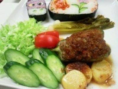 ハンバーグ(ピーマンの肉詰め)レシピ♪♪ ★★飾り巻き寿司5月レッスン ばら 梅の花