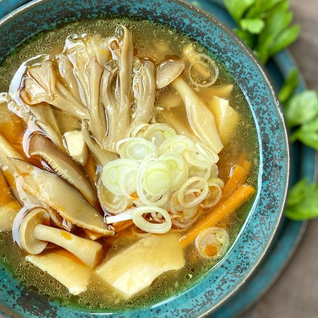 Veganレシピ。きのこたっぷりヴィーガン酸辣湯の作り方