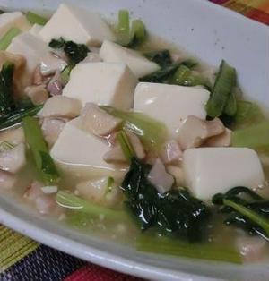 うまピリ辛~♪ 小松菜とベーコンの塩麻婆豆腐