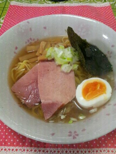 お料理レシピご紹介~簡単♪20分くらいあればスープを手作りできます♪醤油ラーメン~