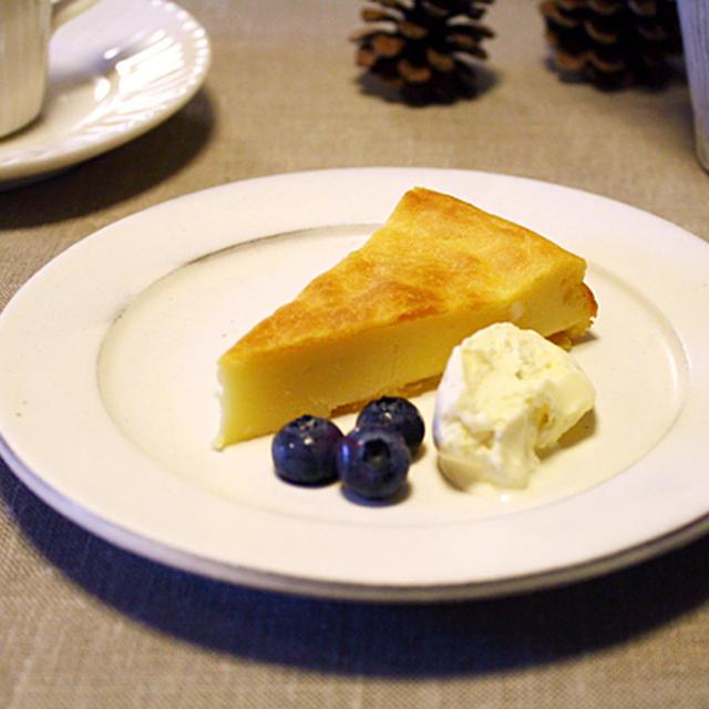 混ぜて焼くだけ。鳴門金時のチーズケーキ。