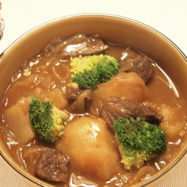 タバスコで牛肉の赤ワイン煮込み