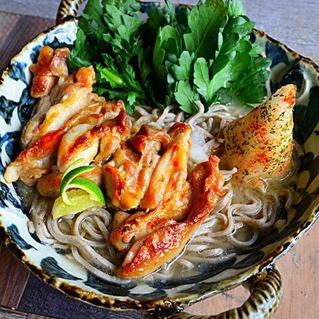 モランボン 水炊き鍋の素で簡単あったかランチ鍋 春菊香る香ばし鶏の水炊蕎麦