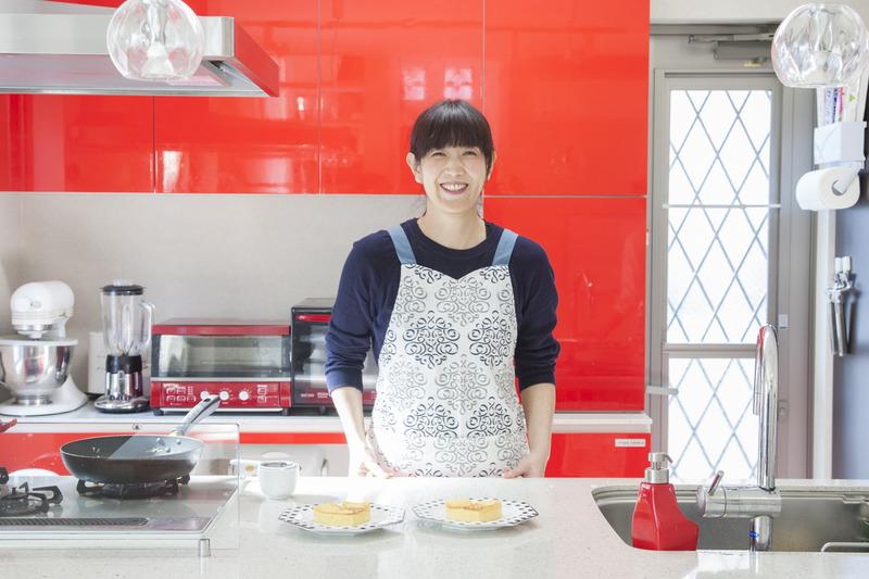 お店のキッチンみたいになる照明の使い方って?Chara Chara(小林睦美)さんの「世界一楽しいわたしの台所」