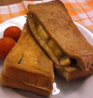バナナとチーズの 黒糖フレンチトースト ☆