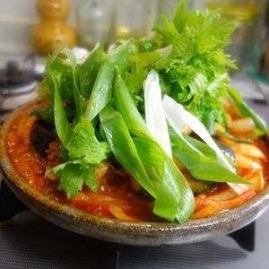 かんたんピリ辛♪韓国の鶏すき焼き「タッカルビ」を作ってみよう!