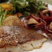 鯛のポアレ&アヒージョの晩ご飯 と ヨウスケ&ラッキーの水浴び♪