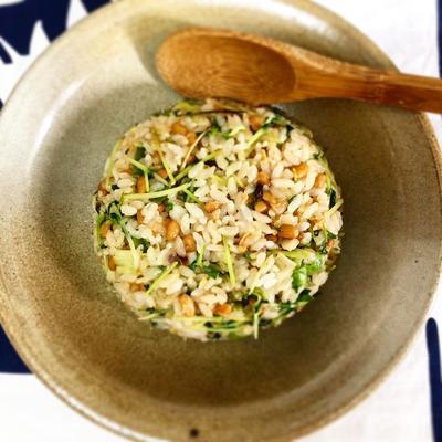 納豆と豆苗のチャーハン